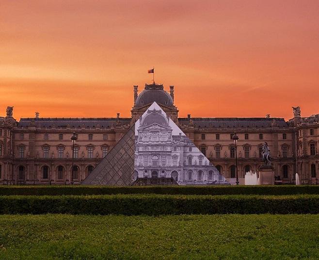 JR-louvre-museum-installation-paris-designboom-01