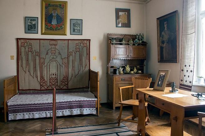 Експозиція Художньо-меморіального музею Олени Кульчицької. Фото: photo-lviv.in.ua