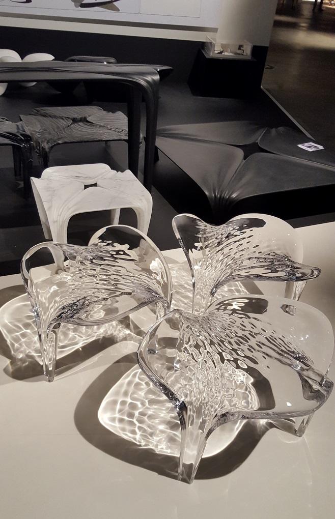 столы и стулья от Zaha Hadid