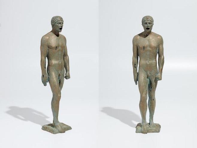 Скульптура Егора Зигуры «Восставший Колосс»