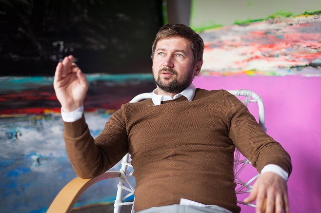 Ukrainian artist Mykhailo Deiak . Photo: Olexandr Piliuhin