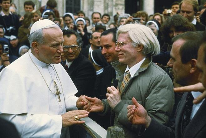Папа Іван Павло II і Енді Уорхол. 1980 /  Фото: Lionello Fabbri / SCIENCE SOURCE