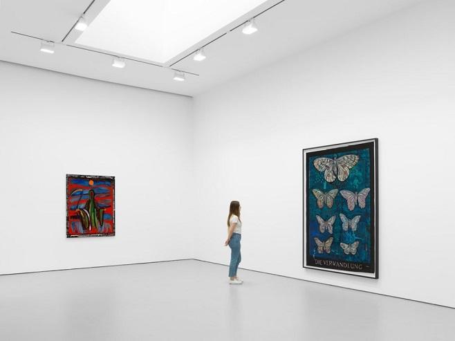 Експозиція Marcel Dzama's Die Verwandlung (2017) в галереї Девіда Цвірнера / Фото: David Zwirner Gallery