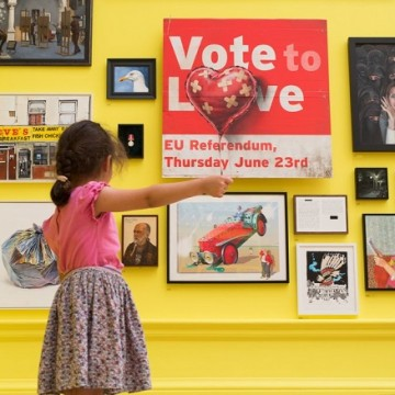Робота Бенксі, Vote to Love /Фото: nytimes.com