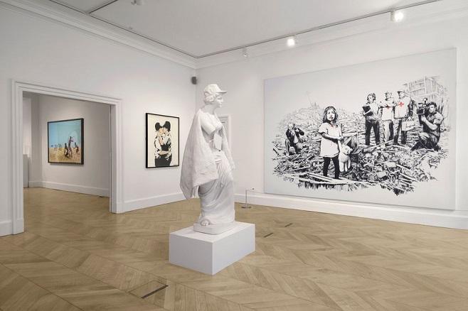 Експозиція виставки Бенксі в галереї Lazinc / Фото: lazinc.com