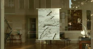 Opportunity for artists to present their art works in the window of the art space in Berlin