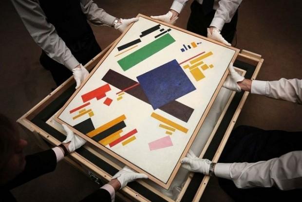 Казимир Малевич «Супрематична композиція», 1916. Полотно, олія. 88,5 х 71. Продана на аукціоні Sotheby's, Нью-Йорк, 3 листопада 2008 року за $ 60 млн