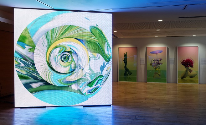«Electronic Notus». From the «Electronic Winds» series against the background of «Virtual Flowers» | 300 х 300 cm, LED panel, computer animation | 2015 – 2018 | Photo by Sergey Ilyin