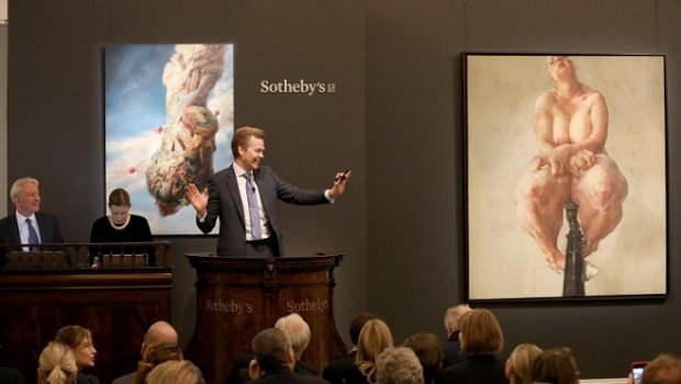 "Картина ""Propped"" Дженні Савіль (праворуч) / Фото: sothebys.com"