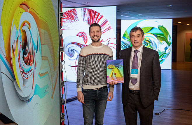 Artist Stepan Ryabchenko and forum initiator Vasiliy Khmelnitsky / Photo by Sergey Ilyin