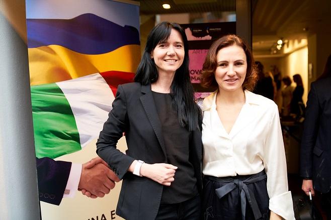 Куратор виставки Маріанна Абрамова та генеральний директор Edipresse Україна Інна Катющенко