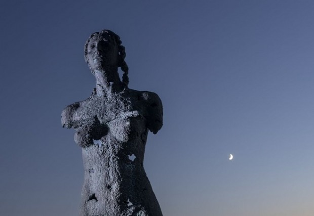 Awakening diptych, Sculpture by the Sea, Bondi 2019 /  Photo: AFP
