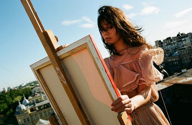 Художница Анна Кострицкая / Фото: artslooker.com